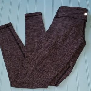 Lululemon full legging size 2.  In excellent condi